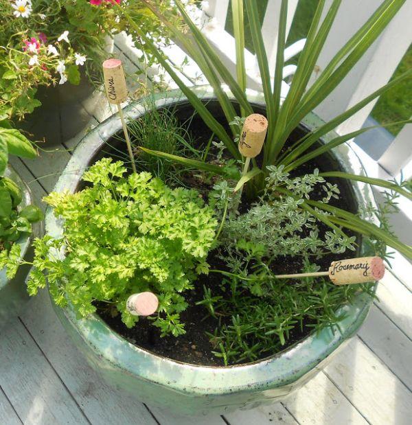 pluteni-cepovi-u-tegli-za-cvijeće-domnakvadrat