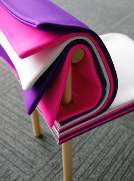 ljubicasto-roza-stolica-dom2-domnakvadrat