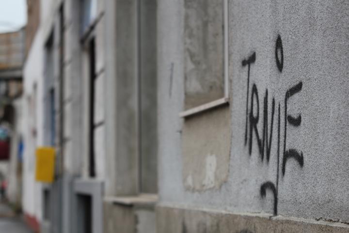 grafiti-na-ulici-3-dom2-domnakvadrat