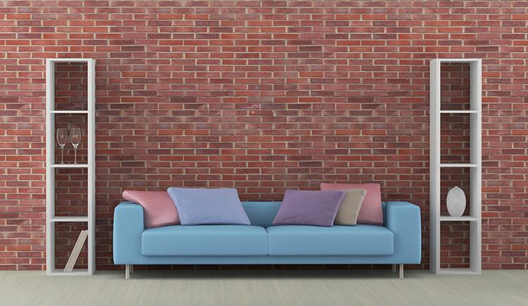 plava roza u inerijeru sjedeca garnitura cigleni zid dom2