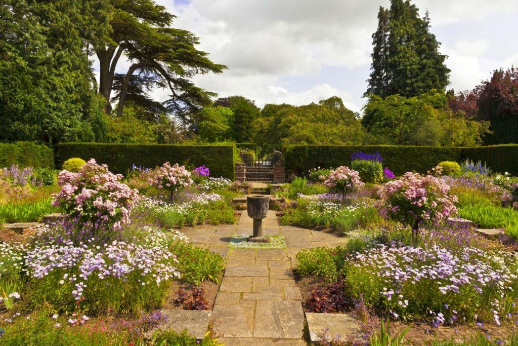 engleski-romanticni-vrt-domnakvadrat