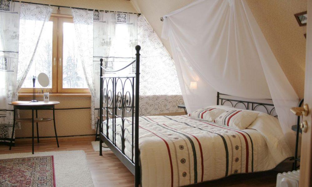 rustikalni-krevet-domnakvadrat