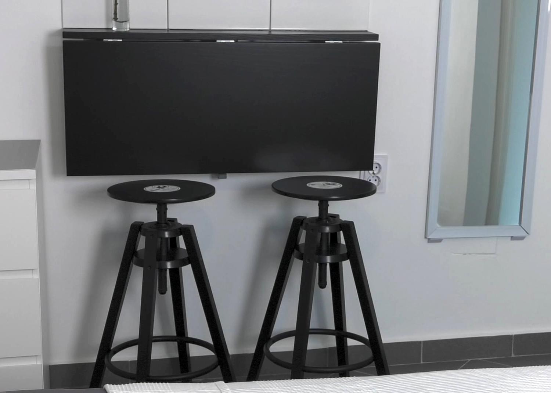 blagovaonski-stol-barske-stolice-gramofonska-ploca-floyd-room-domnakvadrat