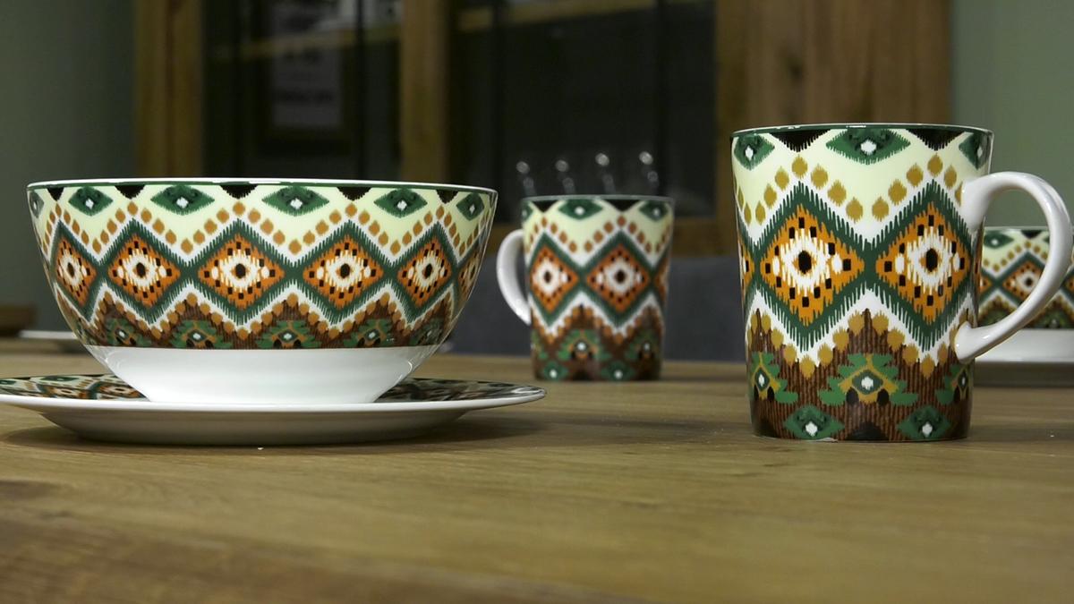 salice-za-jutarnju-kavu-etno-uzorak-zeleni-domnakvadrat