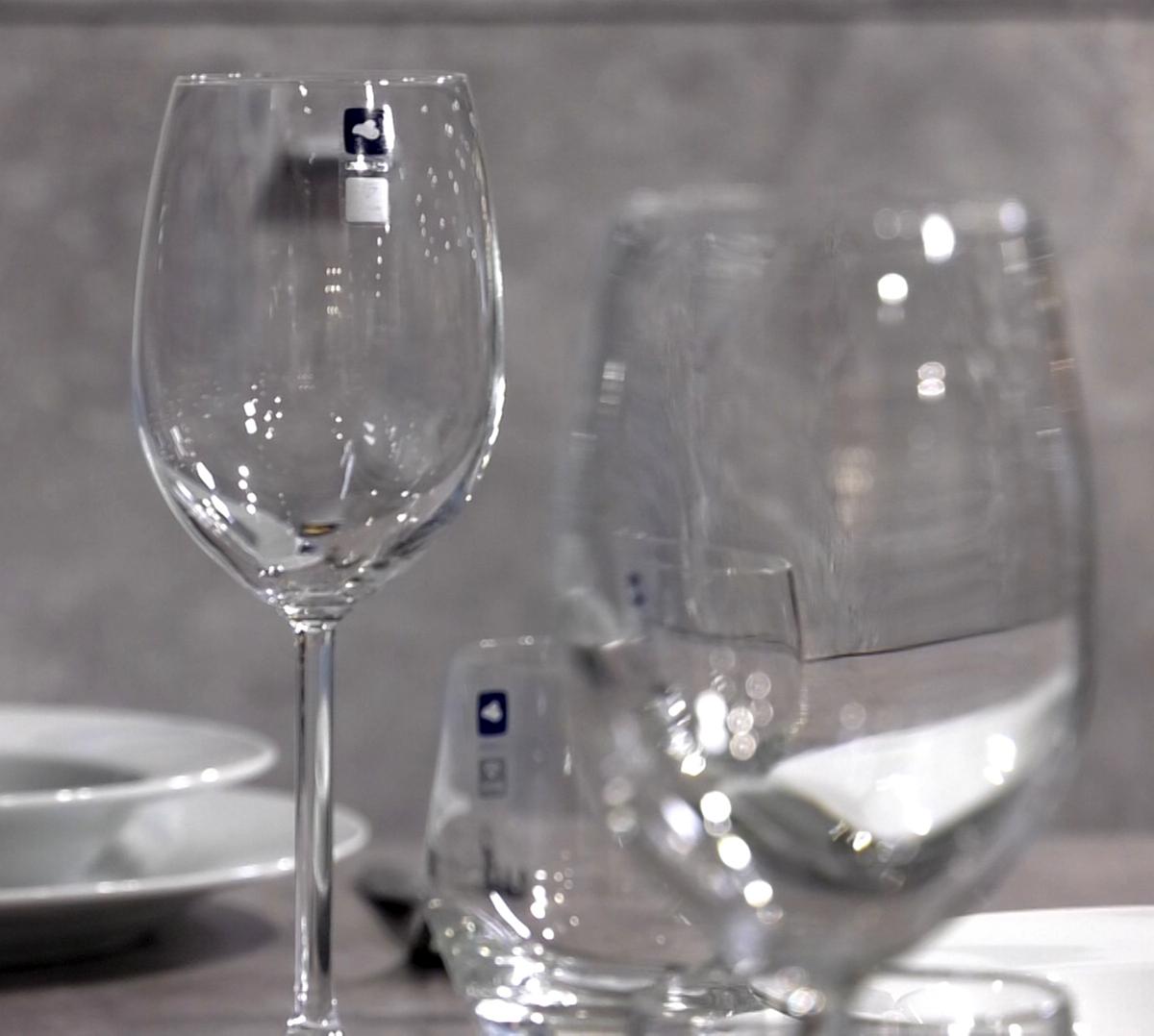 case-za-bijelo-vino-domnakvadrat