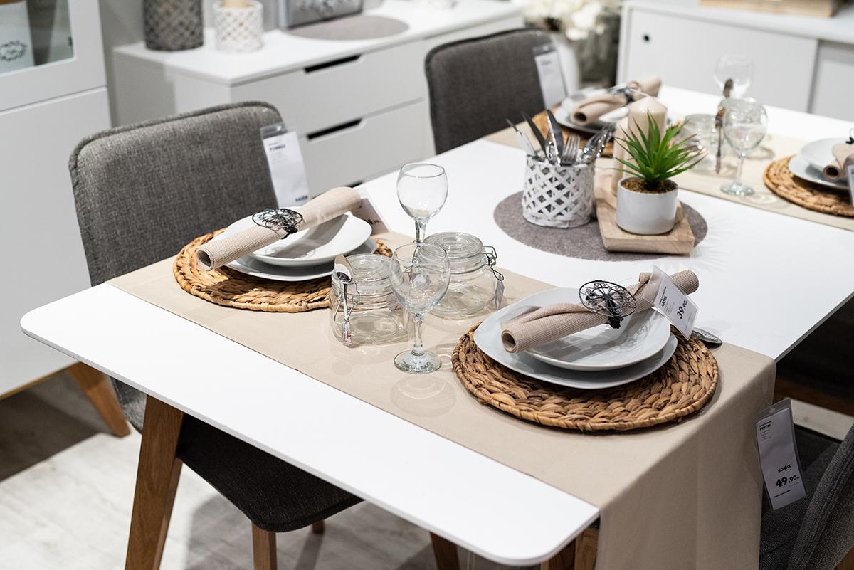 moemax-zagreb-otvorenje-blagovaonski-stol-domnakvadrat