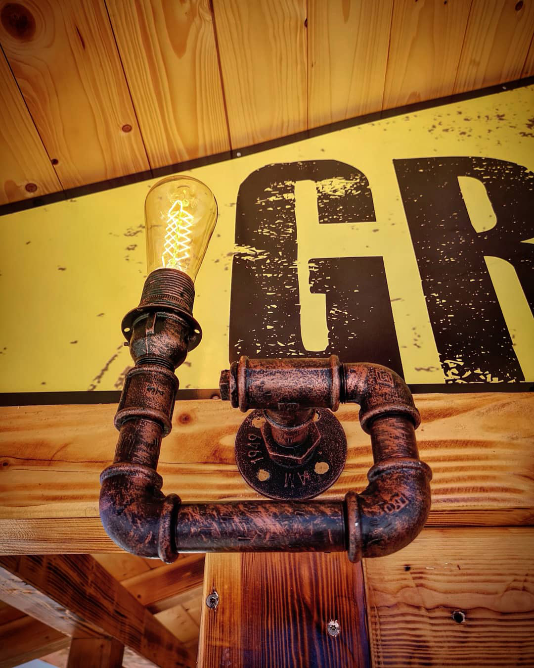mad-lamps-steampunk-svjetiljke-domnakvadrat-vodoinstalacijske-cijevi