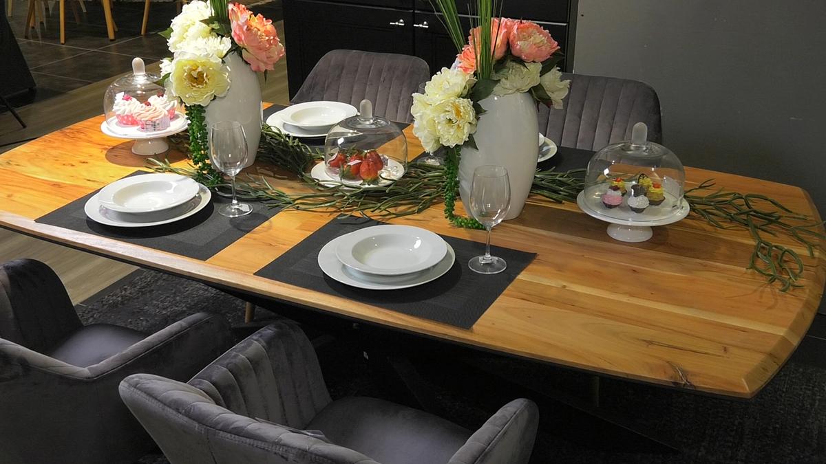 blagovaonski-stol-barsunaste-stolice-svevremenski-namjestaj-lesnina-domnakvadrat