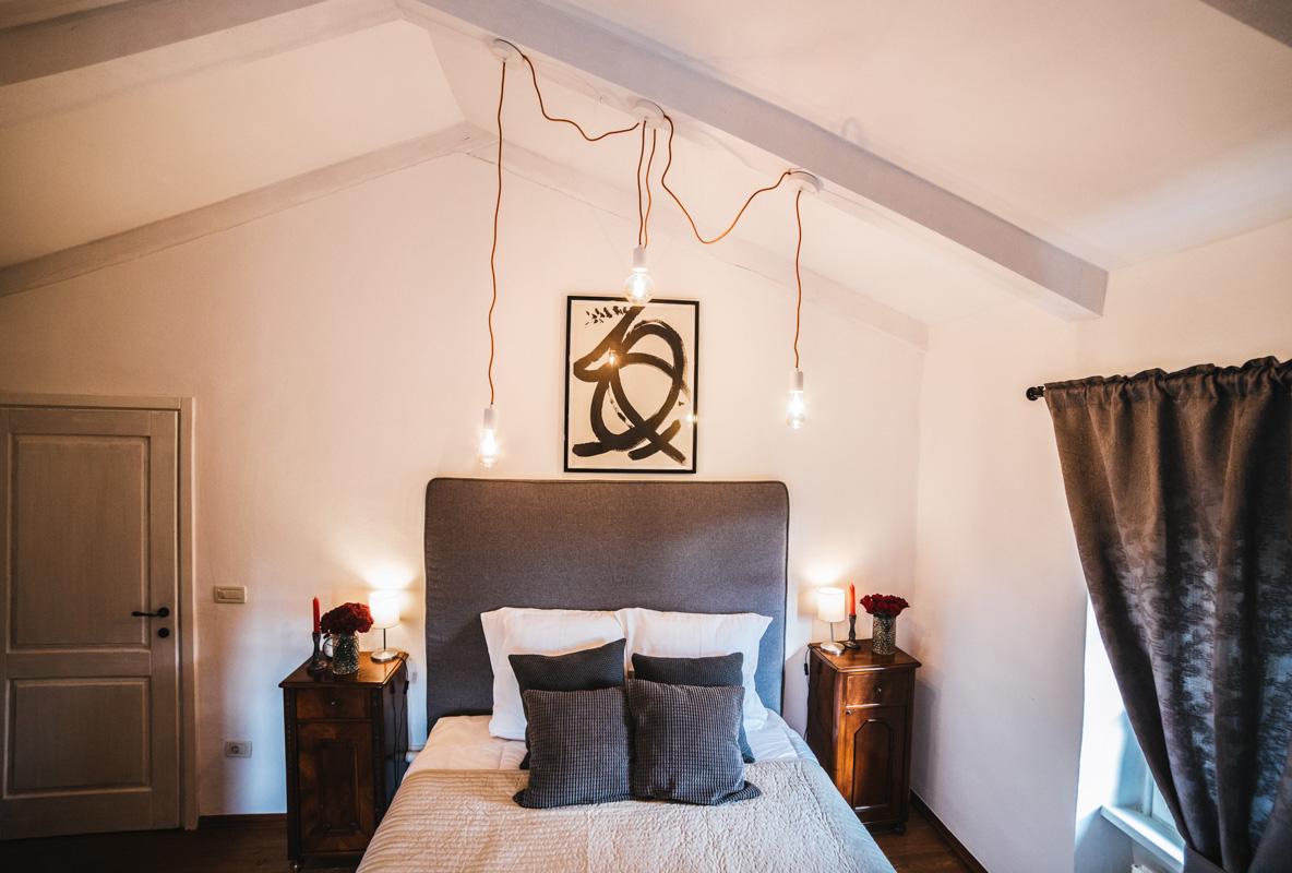 Stancija-vigini-spavaca-soba-rustikalno-domnakvadrat