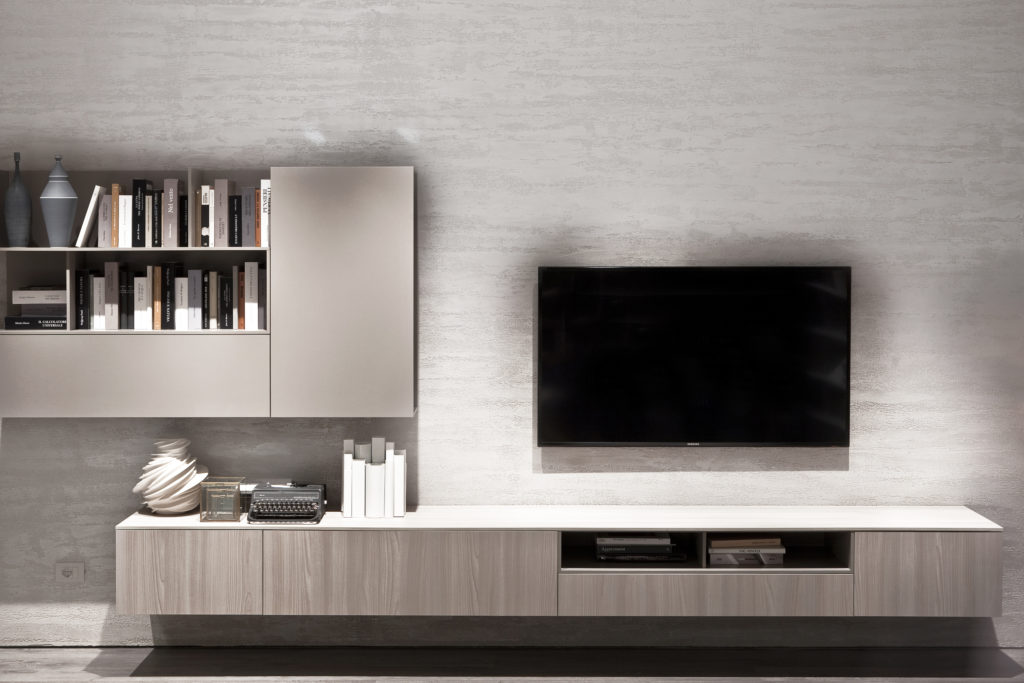 bijela-boja-zidova-televizor-domnakvadrat