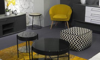 dnevni-boravak-crno-bijelo-minimalizam-zuta-fotelja-tepih-lesnina-domnakvadrat