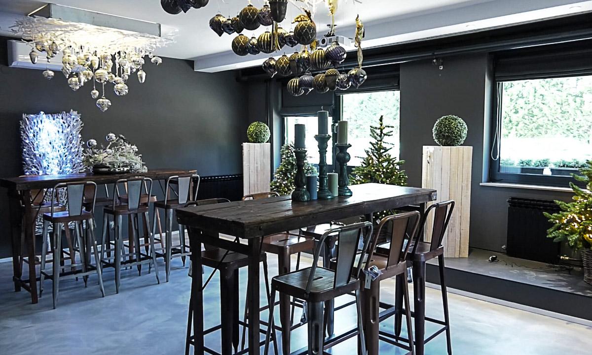 poslovni-prostor-barski-stol-stolice-visoke-drvo-domnakvadrat