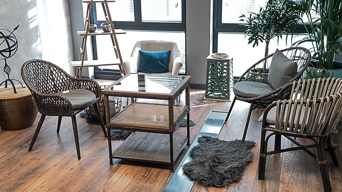 poslovni-prostor-stol-stolice-domnakvadrat