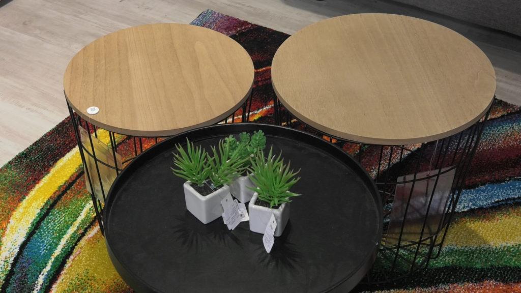 stolic-sareni-tepih-boje-domnakvadrat