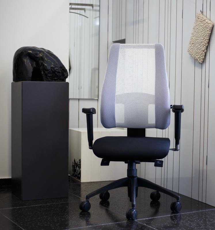 radna-stolica-bijela-deez-domnakvadrat