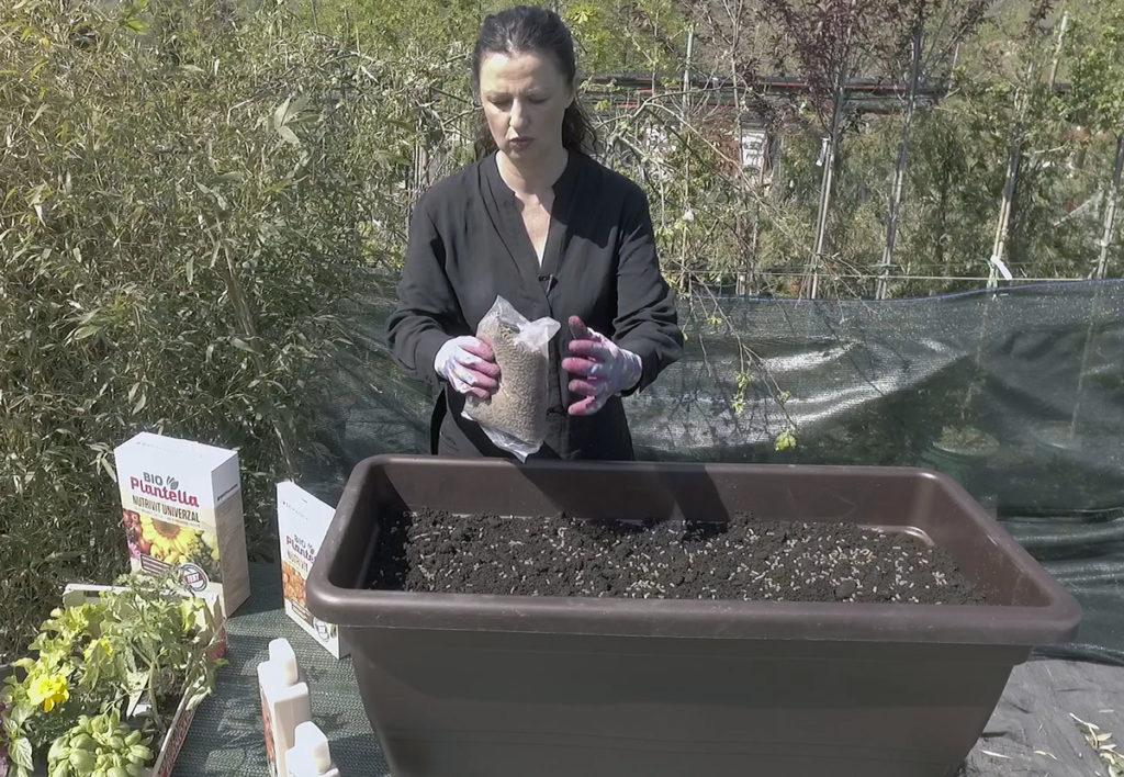 plantella-nutrivit-sadnja-malog-vrta-domnakvadrat