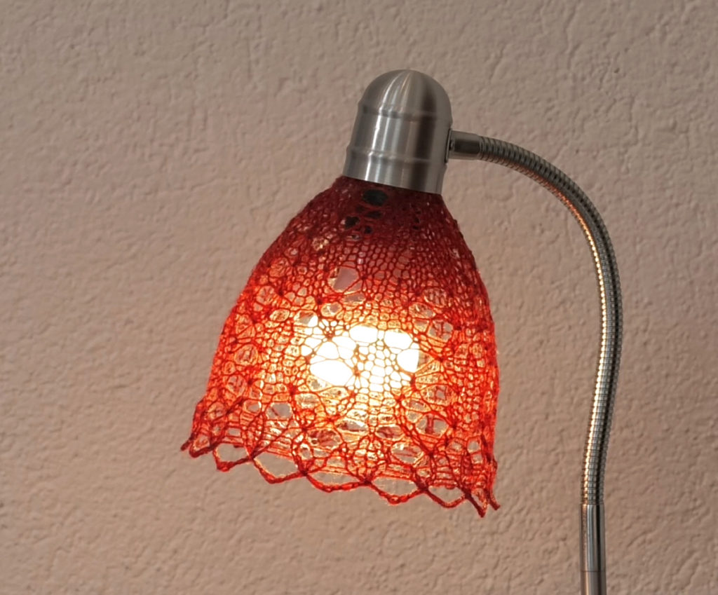 crvena-cipka-svjetiljka-domnakvadrat