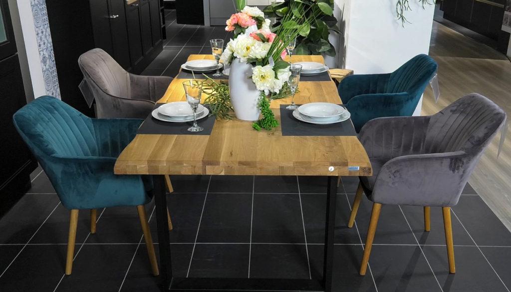 blagovaonske-stolice-u-dvije-boje-lesnina-domnakvadrat