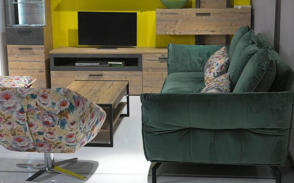 fotelja-kao-dodatan-sjedeci-element-lesnina-domnakvadrat