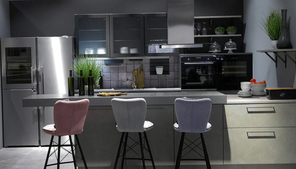 kuhinjska-napa-klasicna-instalacija-lesnina-domnakvadrat
