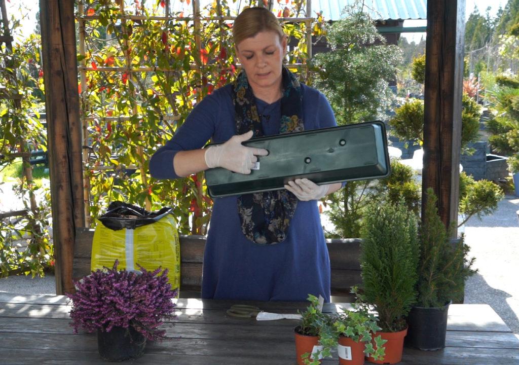 rupe-na-dnu-posude-za-sadnju-iris-mbm-vrtni-centar-domnakvadrat
