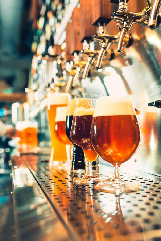 čaše-pivo-domnakvadrat