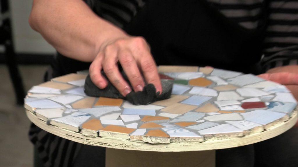 brisanje-stolića-mozaik-domnakvadrat
