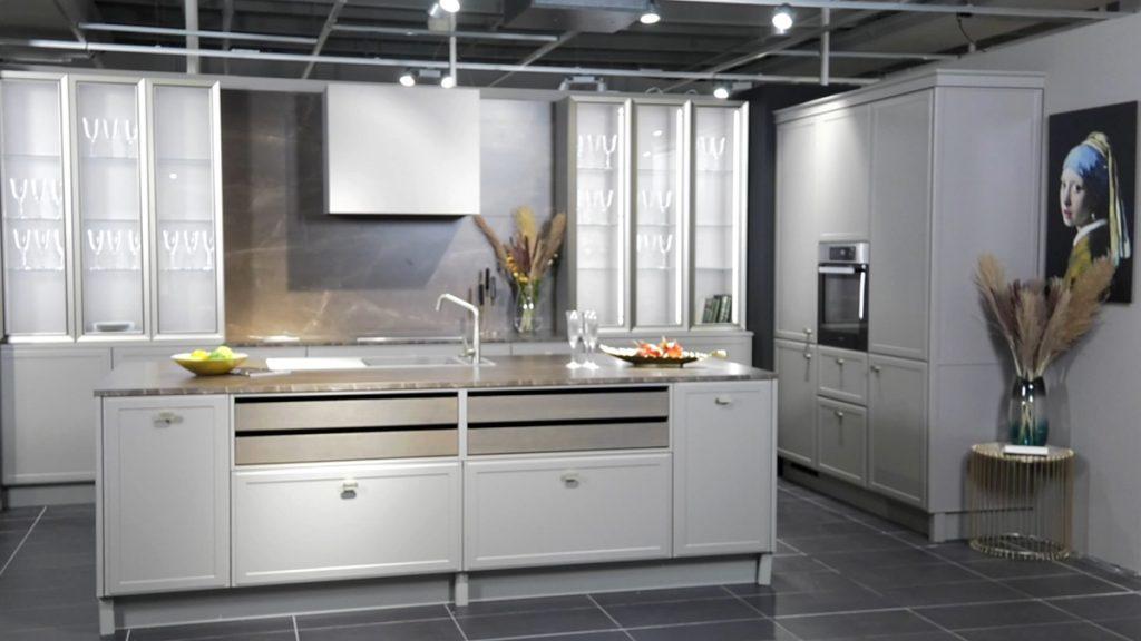 monumentalna-kuhinja-lesnina-xxxl-domnakvadrat