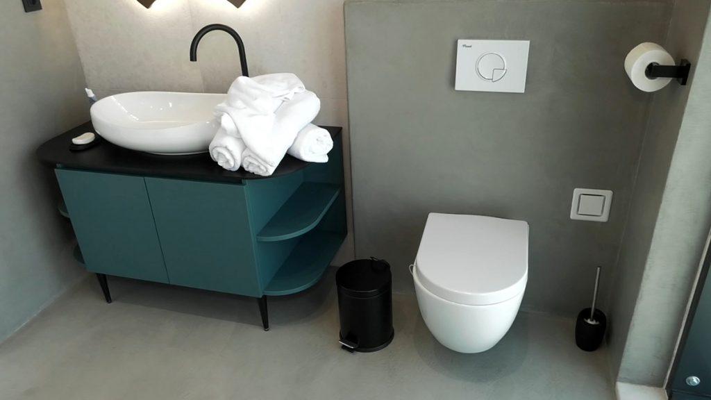 kupaonica-plavi-ormar-domnakvadrat