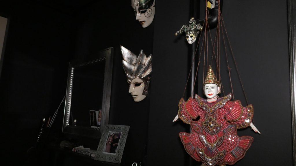 maske-suveniri-hodnik-maja-tanasovski-domnakvadrat