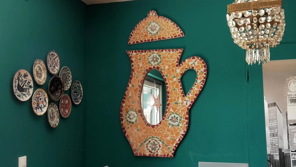 ogledalo-čajnik-mozaik-domnakvadrat