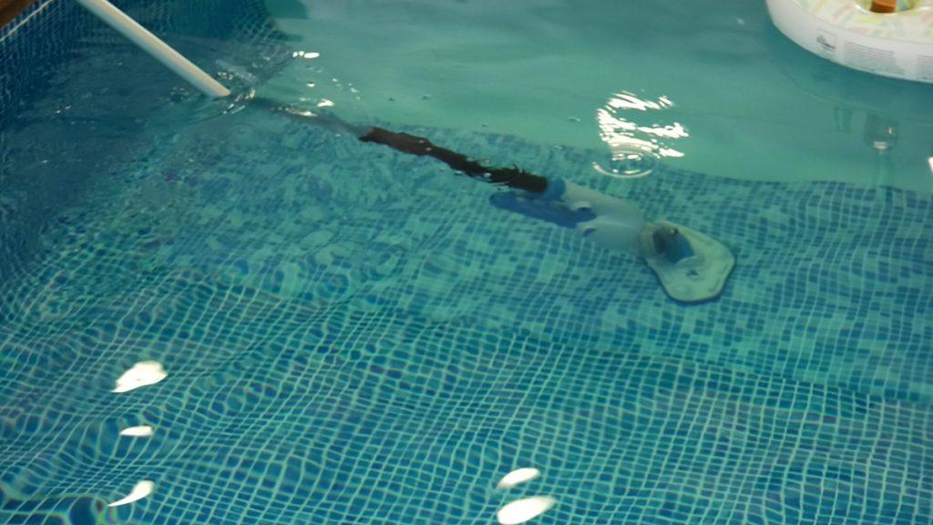 čišćenje-bazena-domnakvadrat