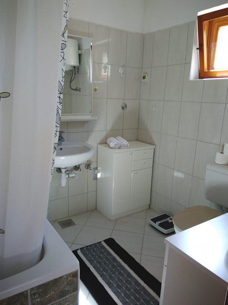 kupaonica-prije-profokus-domnakvadrat