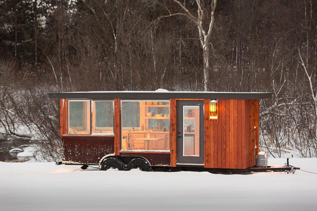 kućica-u-snijegu-escape-traveler-domnakvadrat