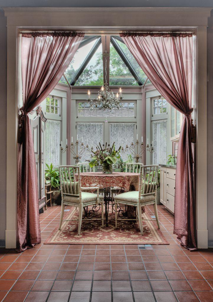 zimski-vrt-zastori-stolice-stol-domnakvadrat