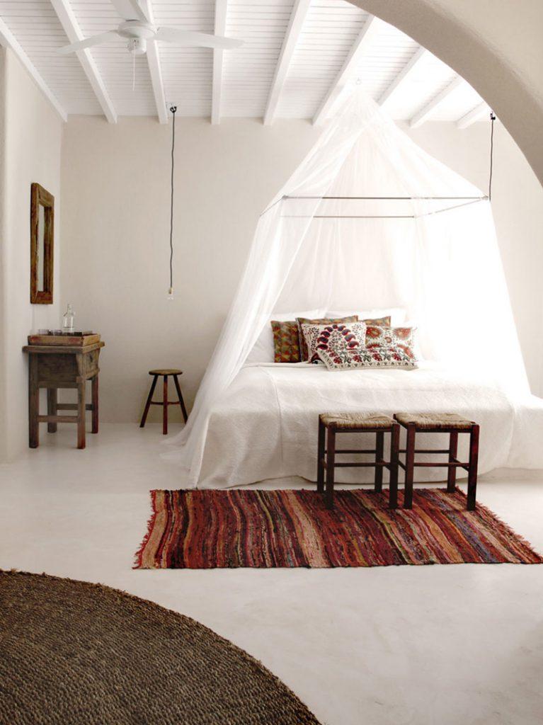 rustikalni-stil-krevet-baldahin-domnakvadrat