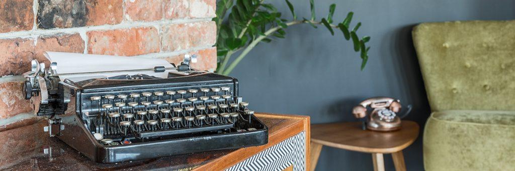 pisaća-mašina-telefon-starinski-domnakvadrat