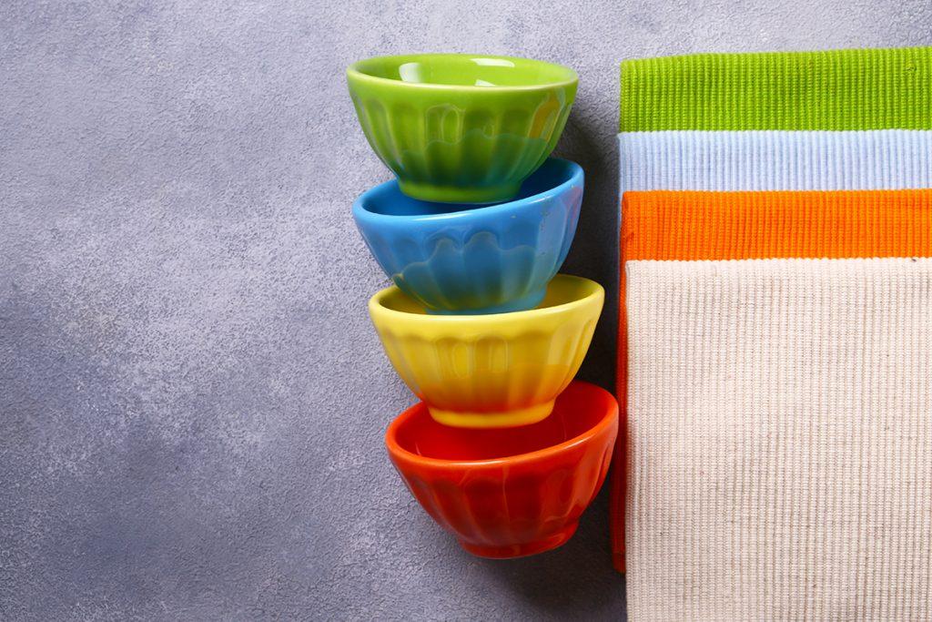 zdjele-razne-boje-domnakvadrat