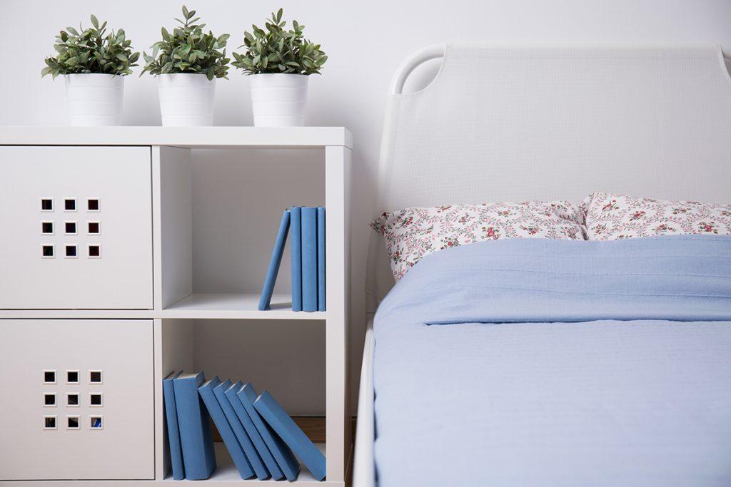 spavaća-soba-ormarić-domnakvadrat