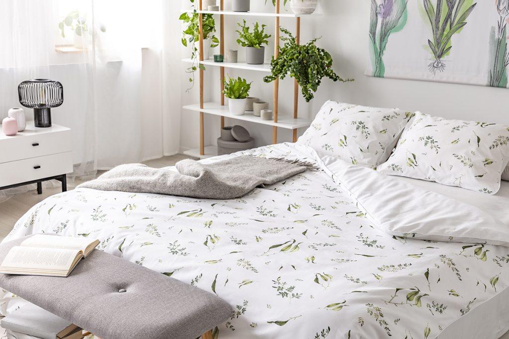 posteljina-bijela-s-uzorcima-domnakvadrat