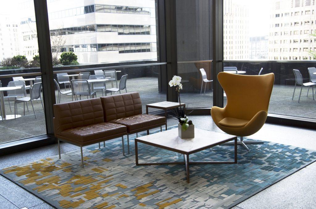 kombinacija-stilova-fotelja-dom2