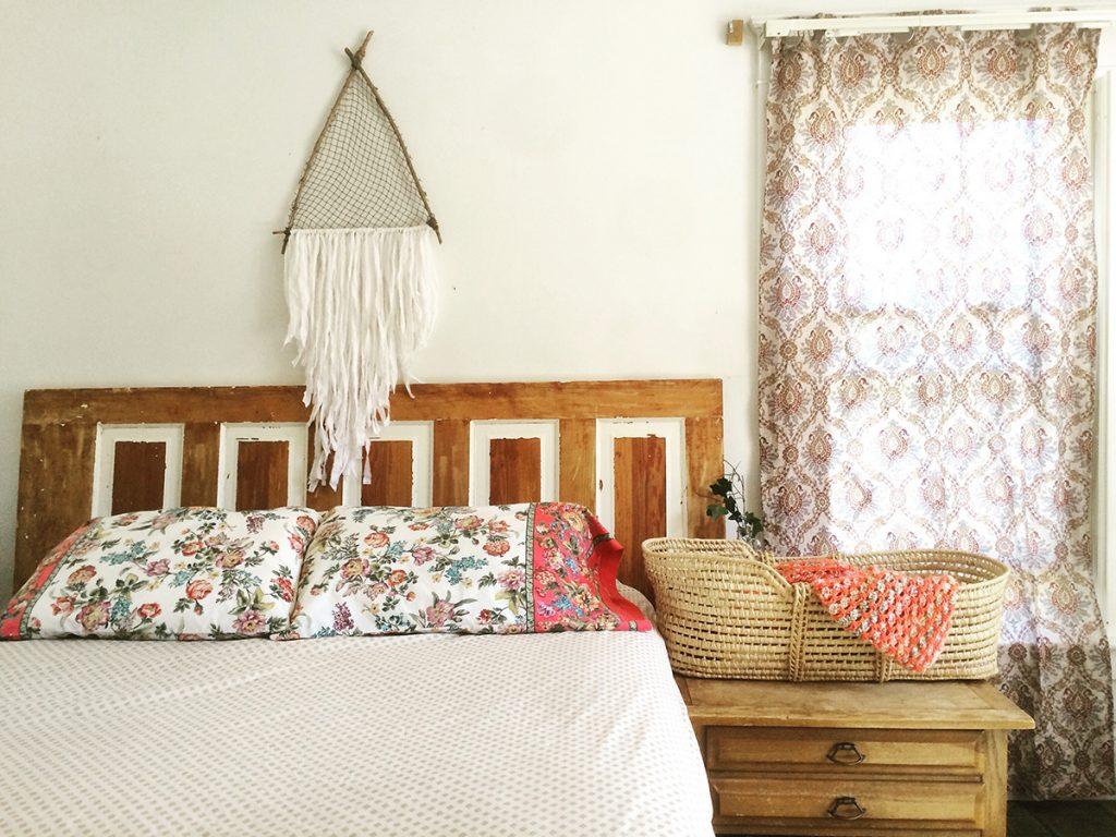 starinski-krevet-dekori-domnakvadrat