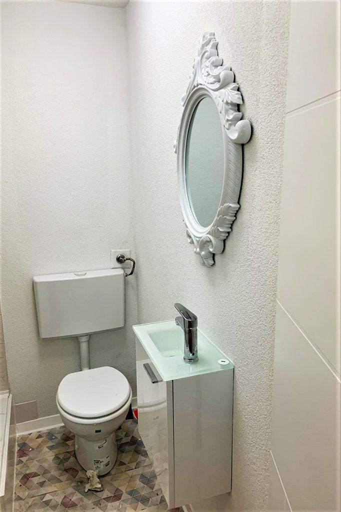 plastična-kuća-wc-domnakvadrat