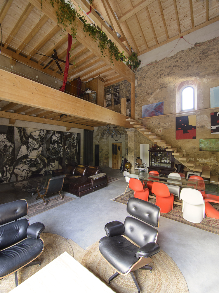 galerija-stepenice-drvo-crkvica-domnakvadrat