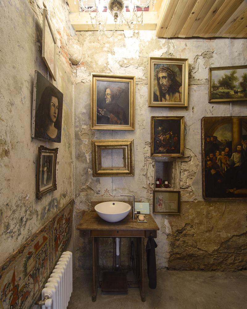 umivaonik-svete-slike-crkvica-domnakvadrat