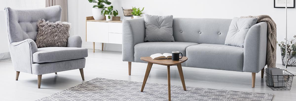 siva-sofa-krzneni-jastuk-deke-domnakvadrat