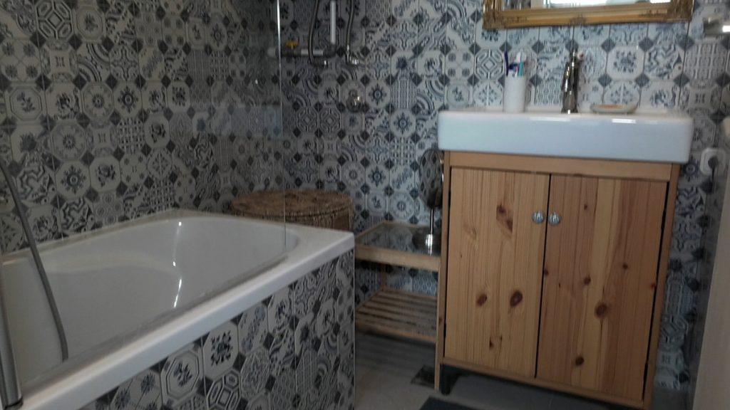 kupaonica-retro-stil-stan-domnakvadrat