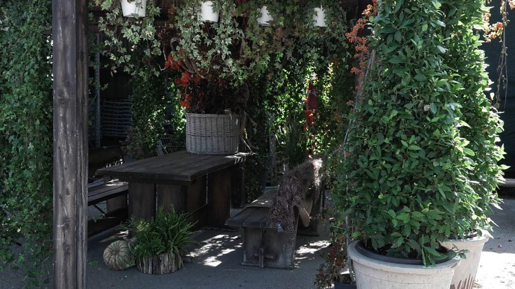 stol-za-dekoriranje-iris-mbm-domnakvadrat