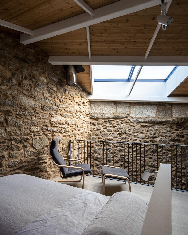 potkrovlje-kamena-kuća-španjolska-domnakvadrat