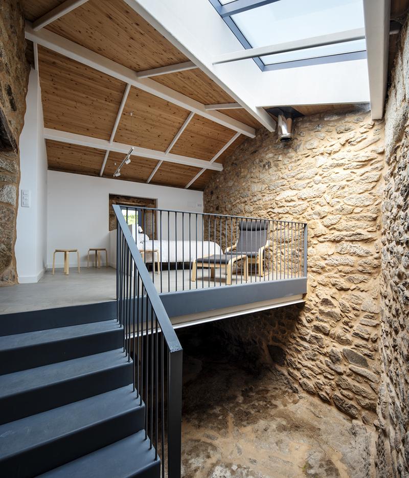 soba-potkrovlje-kamena-kuća-španjolska-domnakvadrat